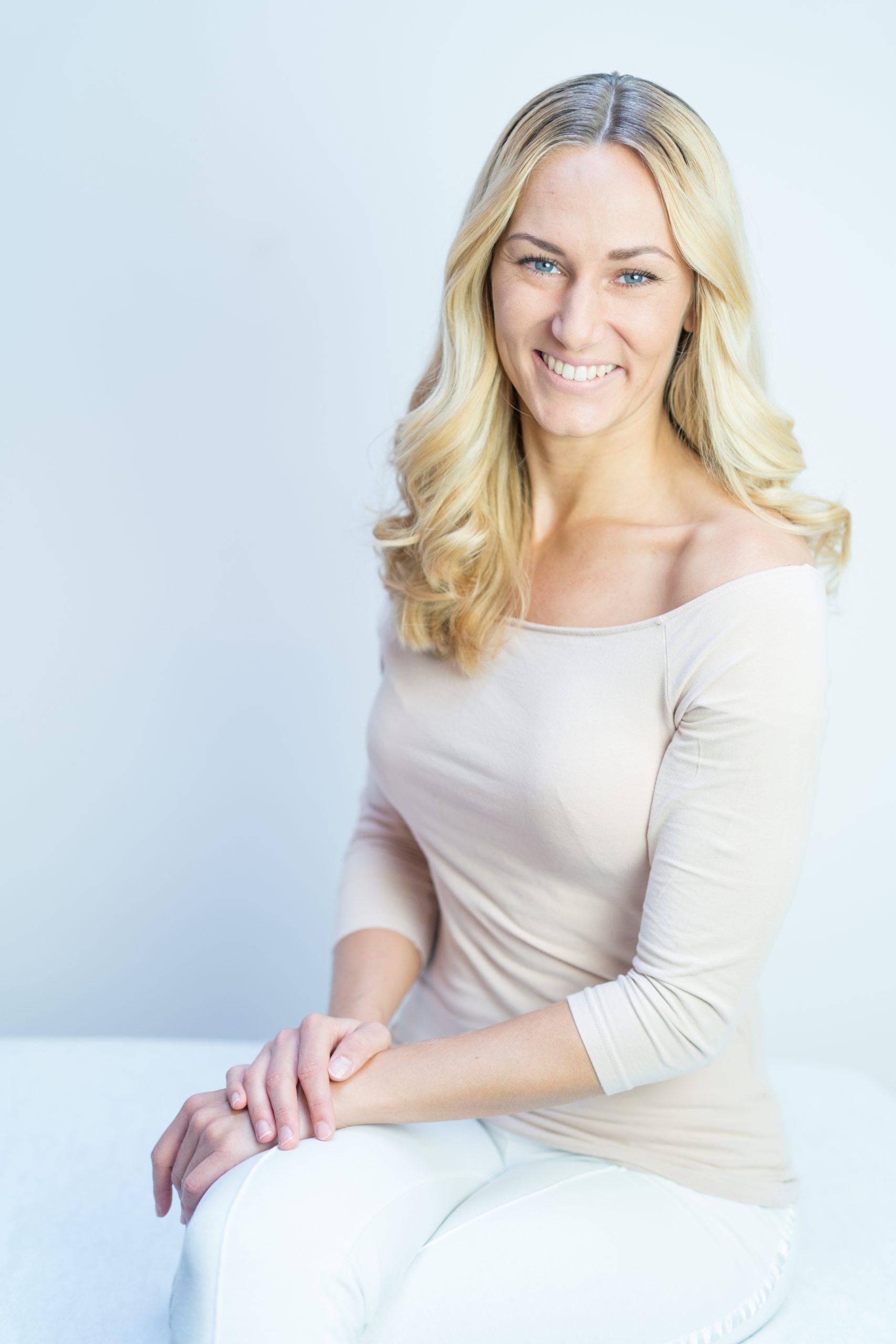Rayette van Weijen yogadocent masseuse